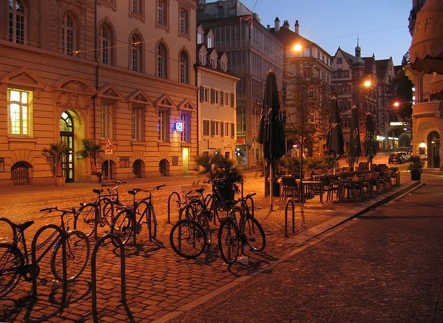 Freiburg im Breisgau Innenstadt am Abend